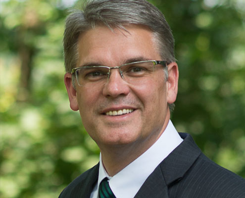 Dr. André Best