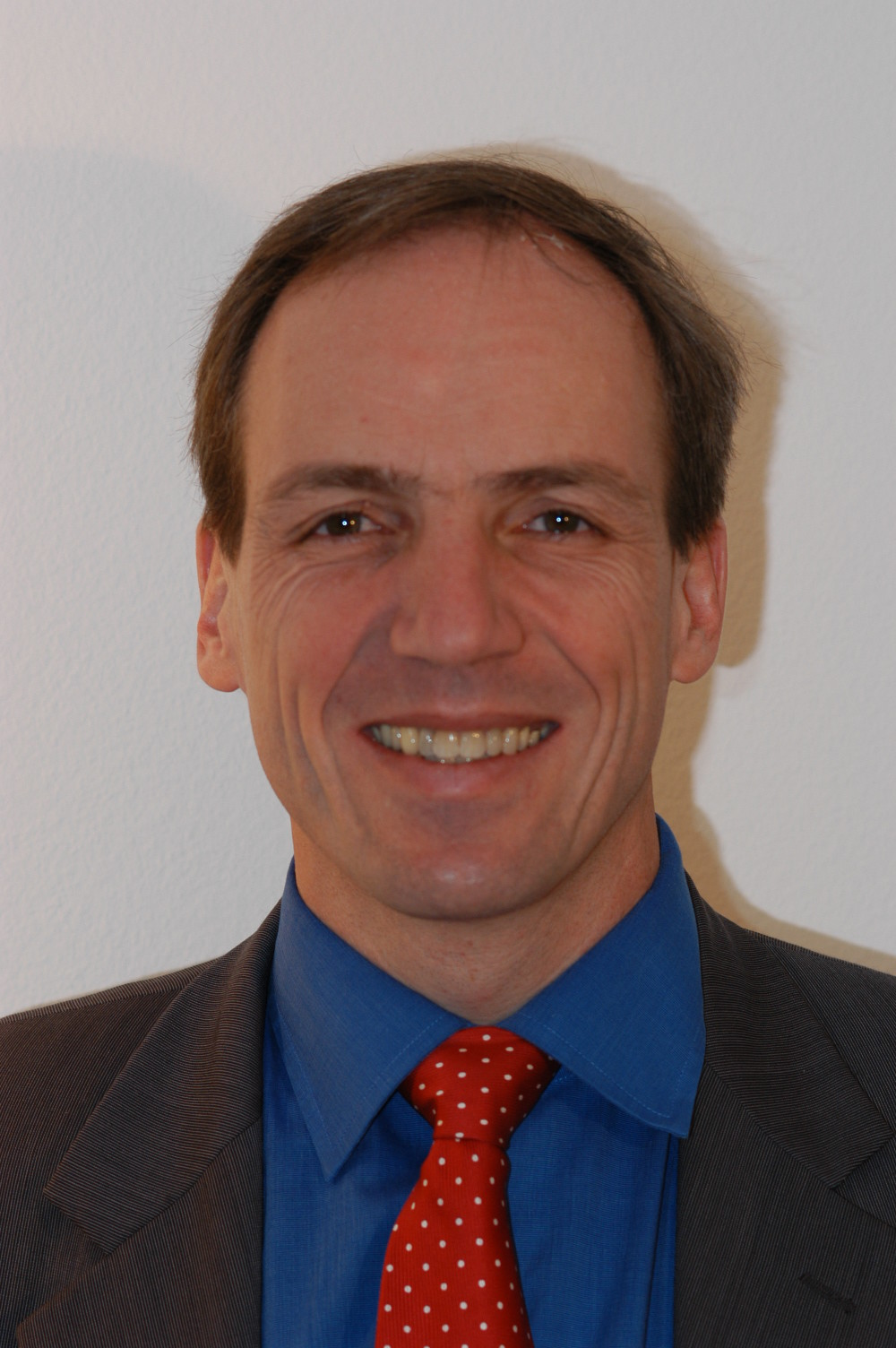 Dr. Andreas Suter