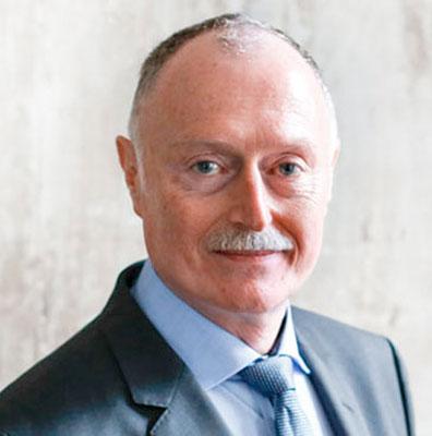 Dr. Eberhard Müller (Leitung)